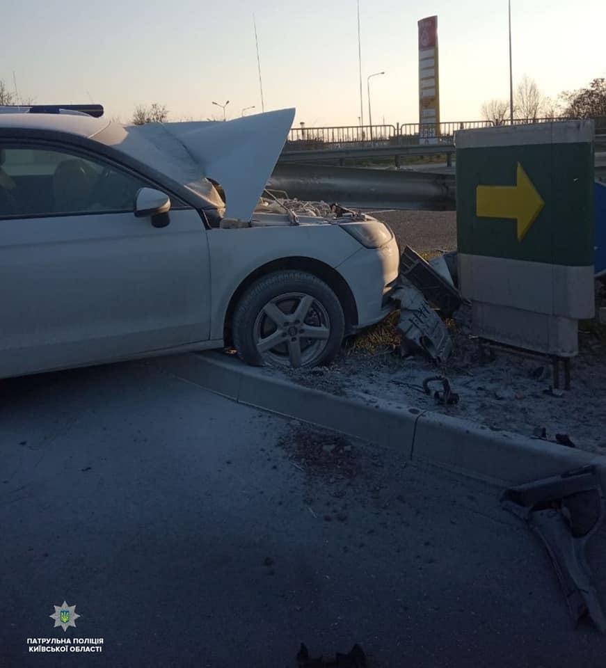 Бориспільщина: авто наскочило на металеве дорожнє огородження - Поліція, ДТП - 56500771 1365350843638505 588022336112820224 n