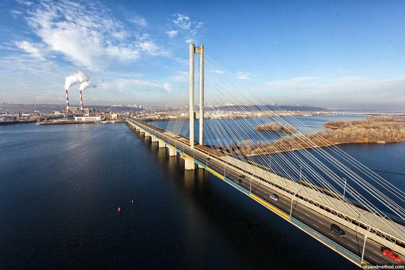 14 квітня рух Південним мостом у Києві буде обмежено