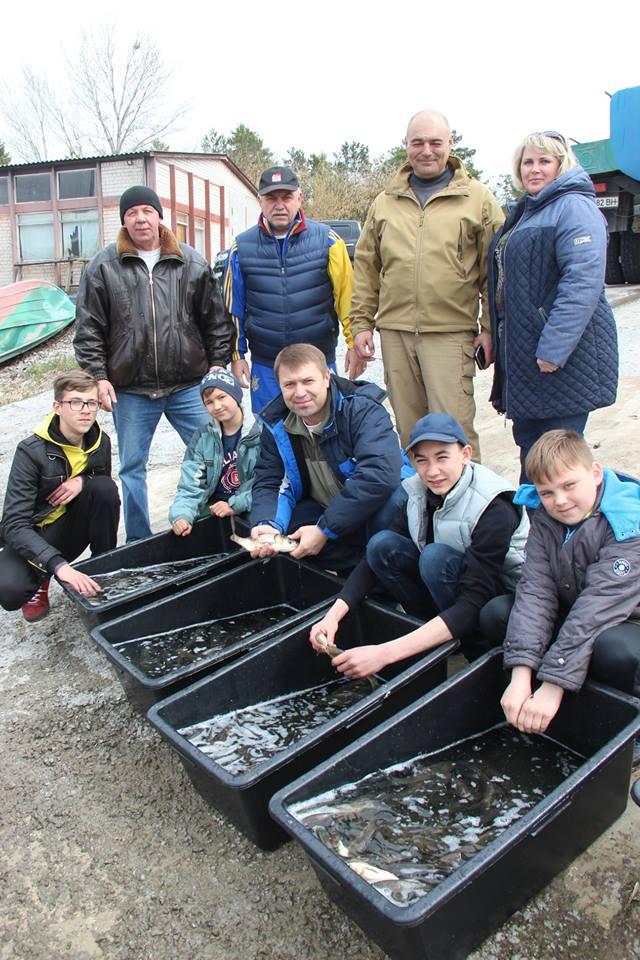 Більше трьох тонн малька випустили до водойм Київщини -  - 57154448 2172870606122786 1897567579879243776 n