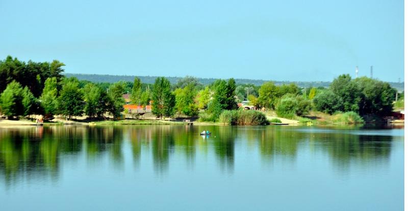 Гектар берега Дніпра повинен повернутися мешканцям Козина -  - 5c259773301a4b9c