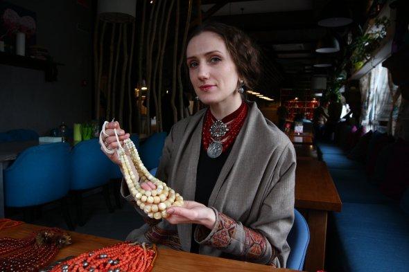 «MAKOVIYA» : у столиці відкрилась виставка світлин, присвячених традиційному жіночому вінку -  - 818969 6 w 590