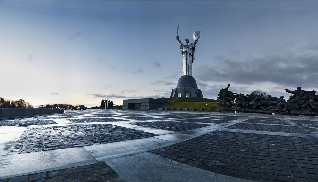 DPzaXh2YDSA В столиці відкриється виставка художника Сергія Захарова присвячена війні на Донбасі