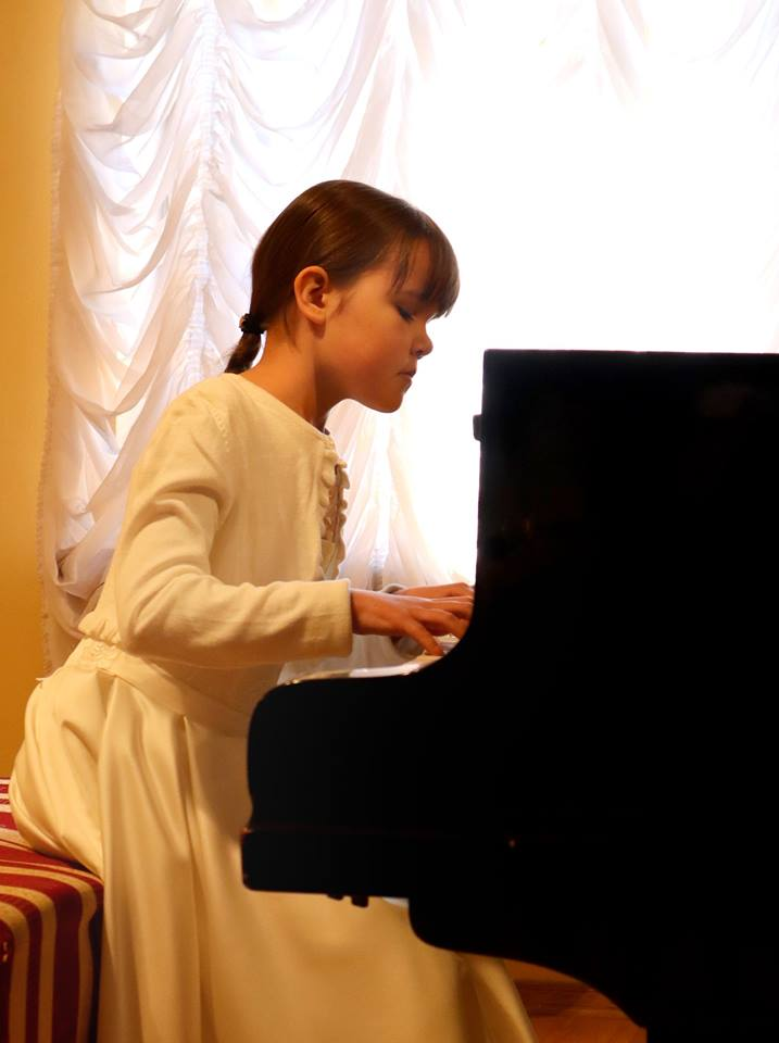 """""""Весна в Уваровському домі"""": у Ворзелі пройшов конкурс молодих піаністів - Уваровський дім, Приірпіння, Мистецтво, київщина, Ворзель - Piano 44"""