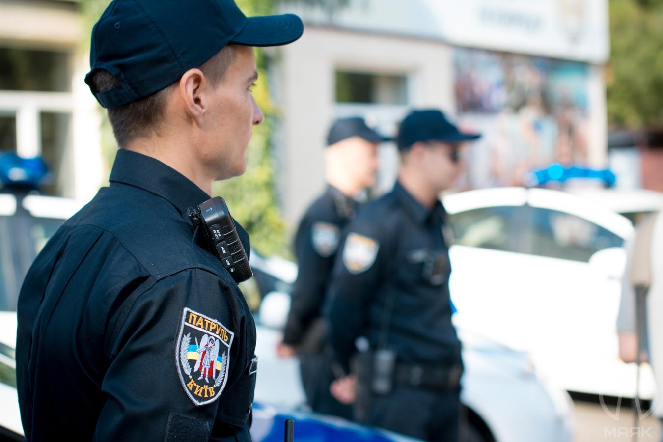 Politsiya-v-Ukraine П'яний водій покинув авто і тікав від поліцейських пішки