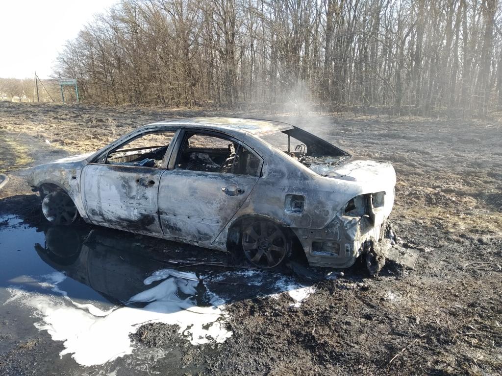 У Розкішній згорів автомобіль: пожежу гасили ставищенські рятувальники - Ставищенський район, рятувальники, пожежа, київщина - Stav avto 1