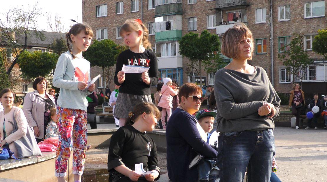 Vakzynaz-7 Вакцинація — запорука здоров'я: у Бучі пройшов веселий флешмоб