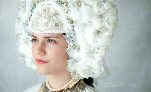 «MAKOVIYA» : у столиці відкрилась виставка світлин, присвячених традиційному жіночому вінку -  - big vinok wPaTs