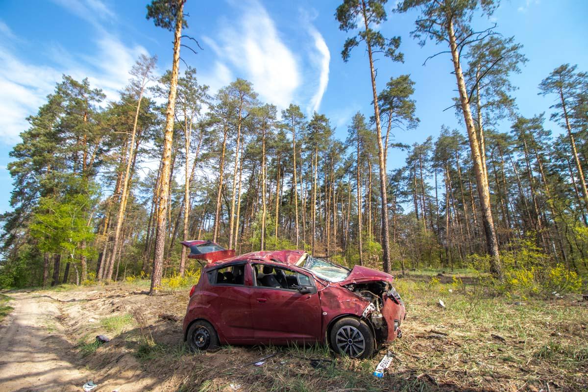 photo-1-of-4-1 Підрізали на трасі: винуватцем аварії на Гостомельському шосе вважають водія «Газелі»?