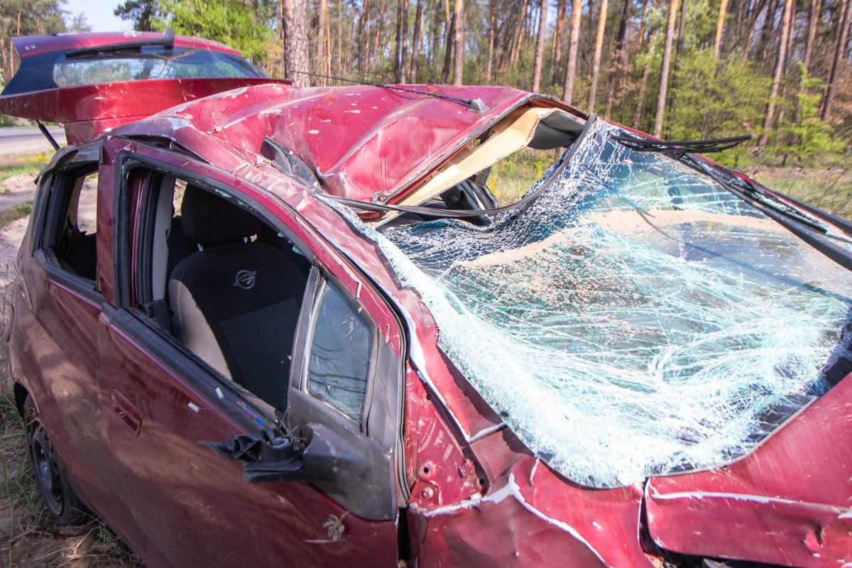 photo-2-of-4-1 Підрізали на трасі: винуватцем аварії на Гостомельському шосе вважають водія «Газелі»?