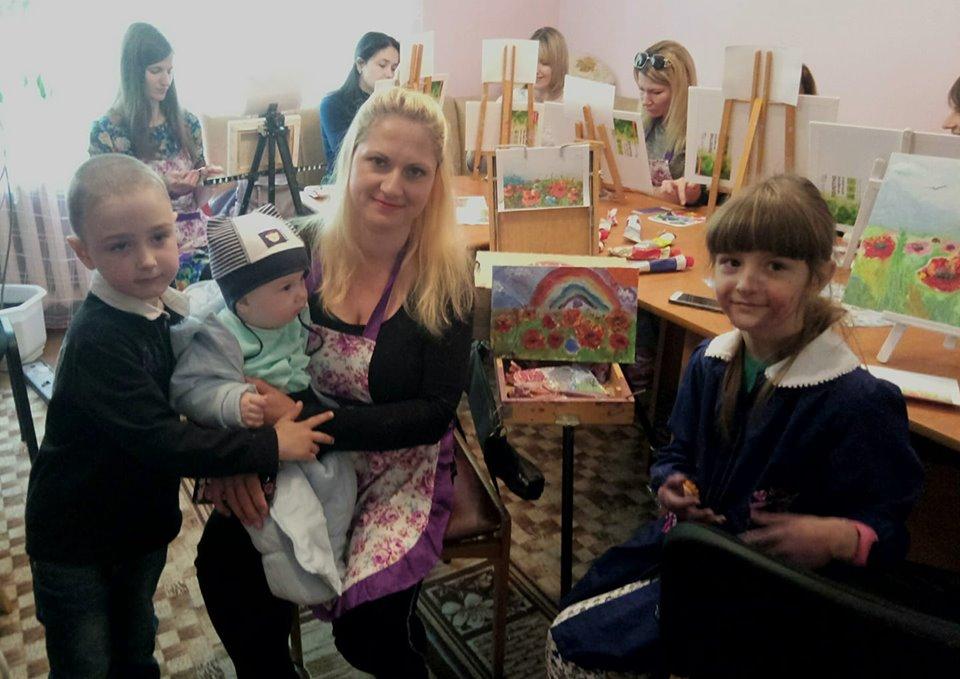 У Вишгороді проходить творча акція «Тссс… Матуся…» - київщина, День матері, Вишгород - 0513 TCHH Mamy1