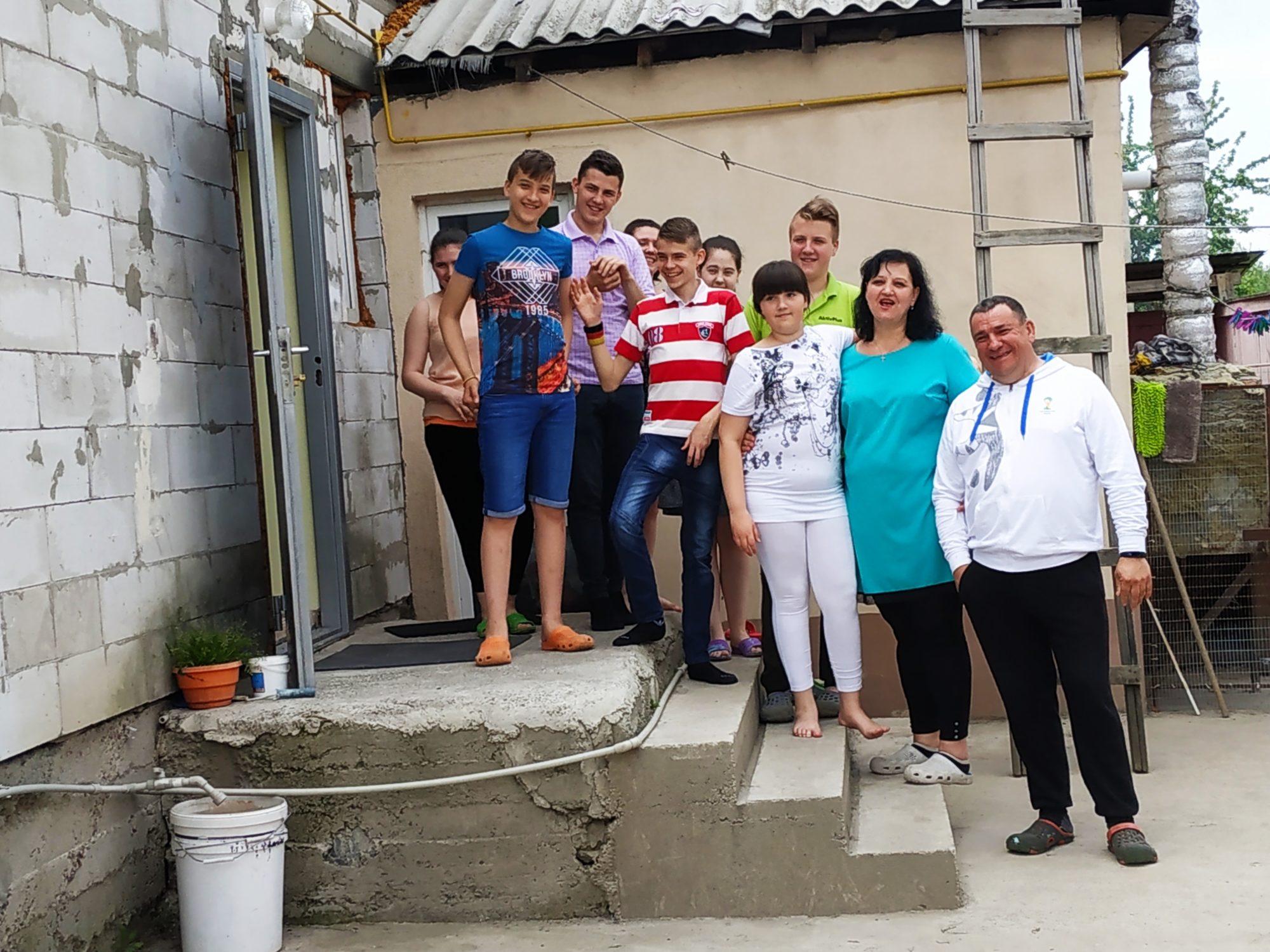 Секрет дружної родини: головне – це любити дітей - київщина, дитячий будинок сімейного типу, Вишгородський район - 0515 Bondarenky1 2000x1500