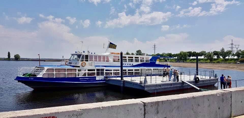 З першого червня у Вишгороді курсуватиме прогулянковий теплохід - київщина, Київське водосховище, Вишгород - 0530 Teplohid