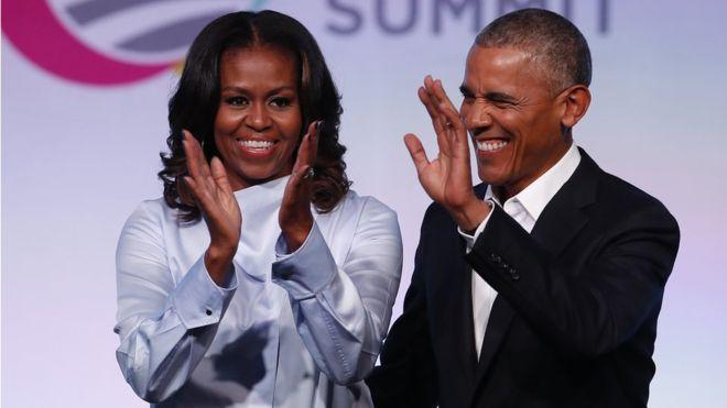101667514_barack_michelle_getty Містер та місіс Обама знімуть серіал про президента США Трампа