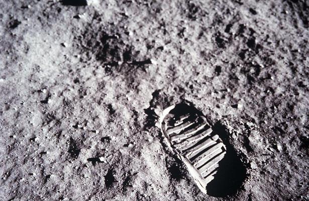Програма з відправки астронавтів на Місяць отримала офіційну назву - НАСА NASA, Місяць, NASA - 1605 luna
