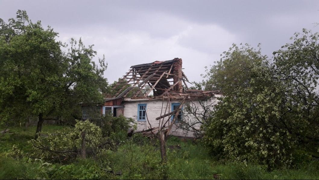 1705_smerch2 На Житомирщині пронісся смерч (ВІДЕО): які регіони України у зоні ризику сьогодні?