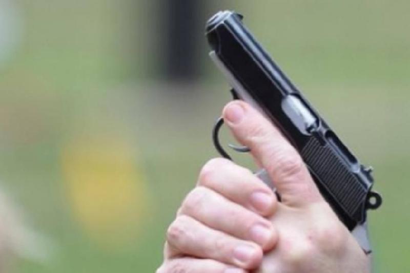 Напав на брата та чинив опір правоохоронцям : на  Обухівщині затримали дебошира напідпитку -  - 20181001130336