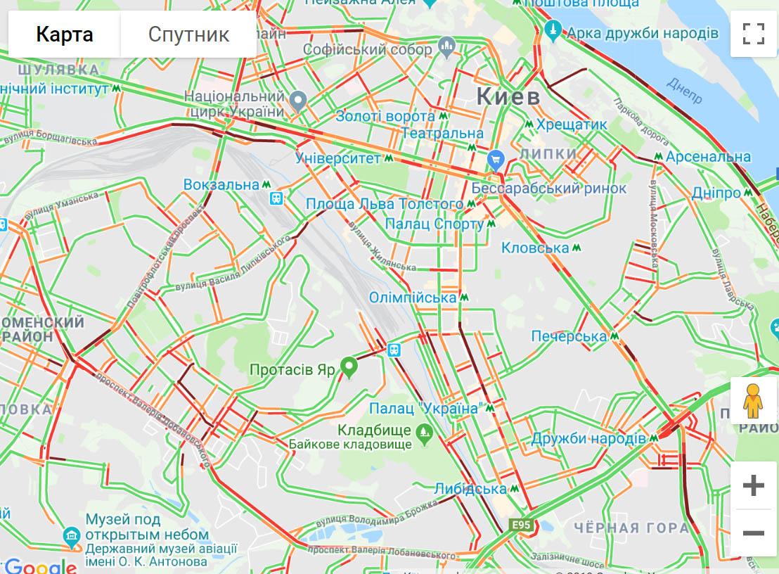 23845 Київ стоїть в довжелезних заторах