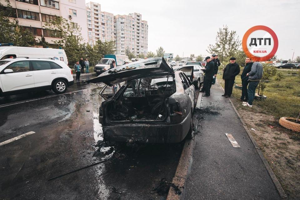 """""""Amulet"""" влетів у припарковані автомобілі і загорівся -  - 59183140 1317569171742306 5020133083244920832 n"""