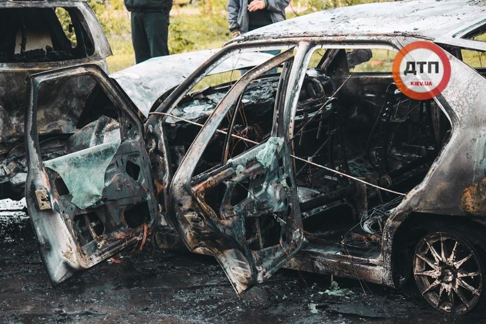 """""""Amulet"""" влетів у припарковані автомобілі і загорівся -  - 59551416 1317569058408984 3123535526024445952 n"""