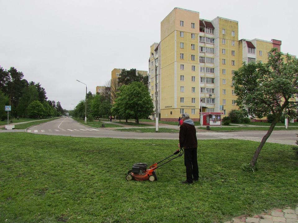 У Славутичі упорядковують загальноміські території -  - 59639878 2204137833002451 7594649687215308800 n
