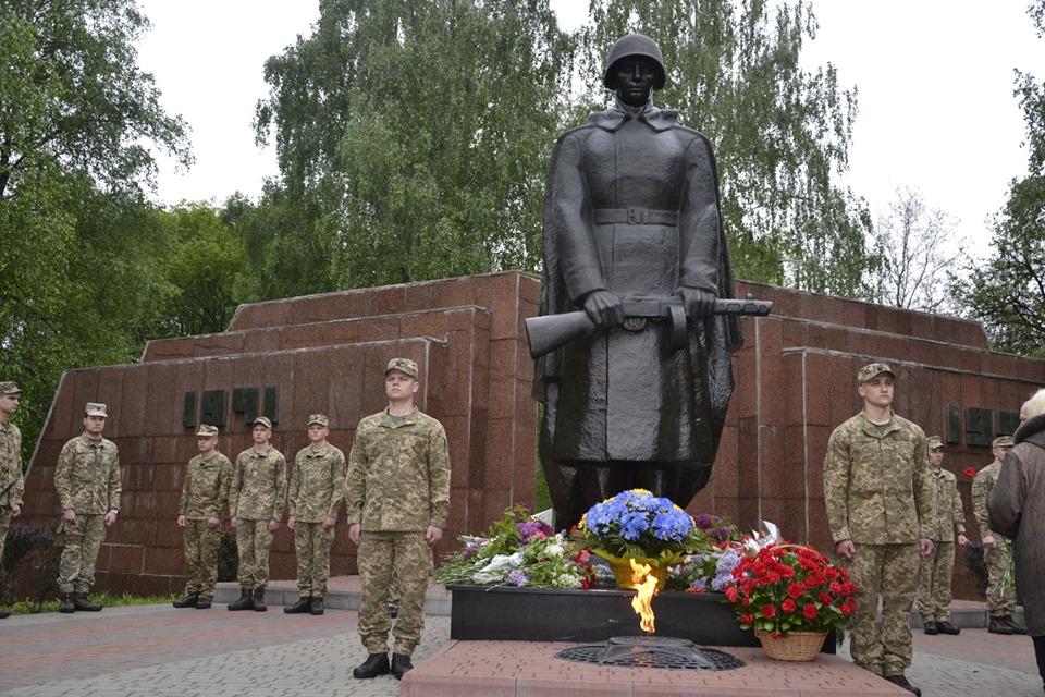 У Броварах вшанували загиблих у Другій світовій війні -  - 59863552 2764476830235872 4113406126316322816 n