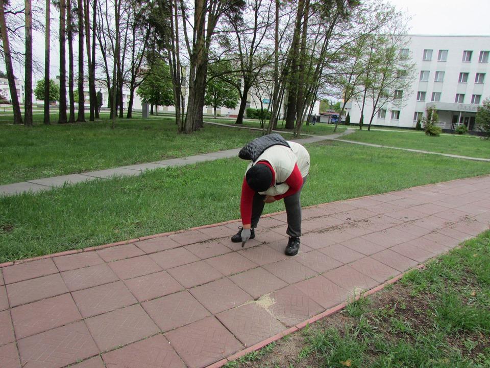 У Славутичі упорядковують загальноміські території -  - 59990469 2204137673002467 3242933662643126272 n