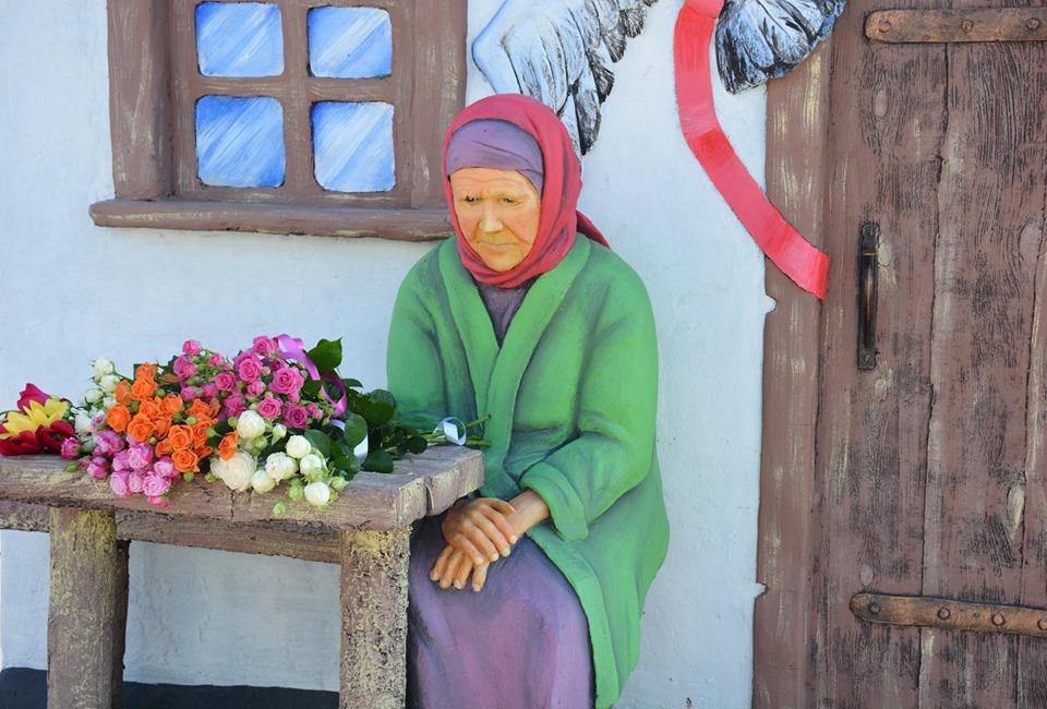 60267565_434427377345736_3789696442671562752_n У Миронівці створено монумент Матері