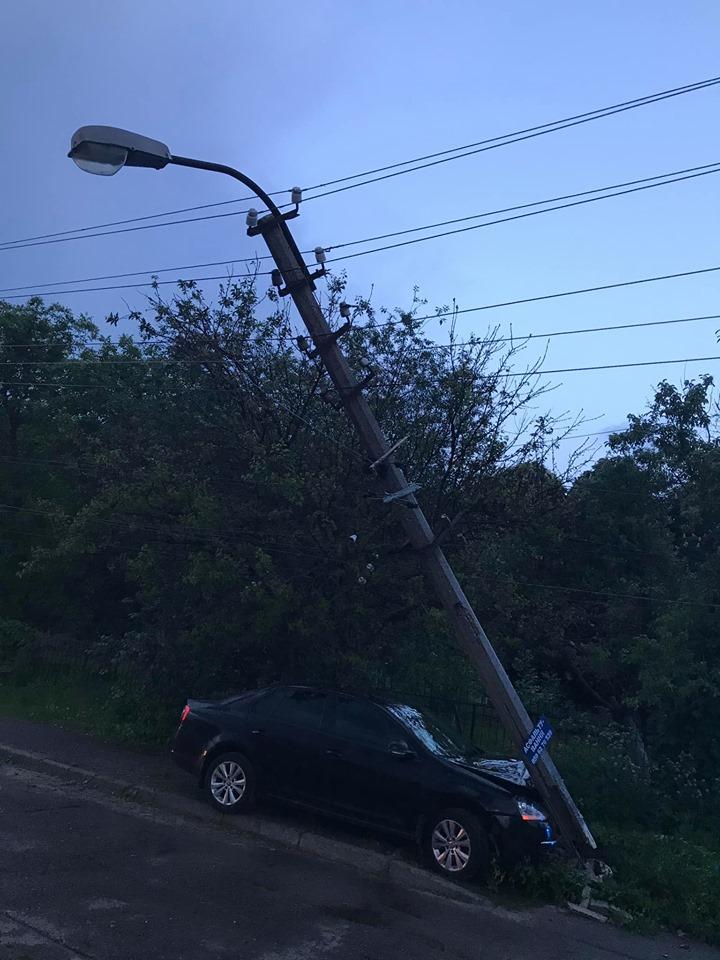 60443048_2250489861830120_1728154909875896320_n Бориспіль: лекговик залишив пів міста без світла збивши бетонний стовп (відео)