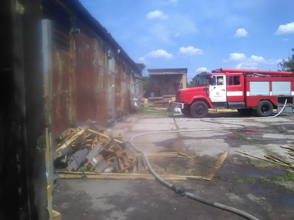 На Броварщині вогнеборцями ліквідовано пожежу на пилорамі -  - 60882345 1282134248603485 4231800378754072576 n