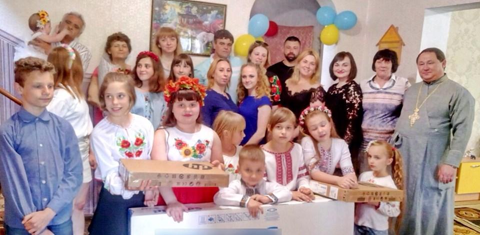 На Бориспільщині дитячий будинок сімейного типу святкує 20-річчя -  - 61023470 204164673884474 3250062775778541568 n
