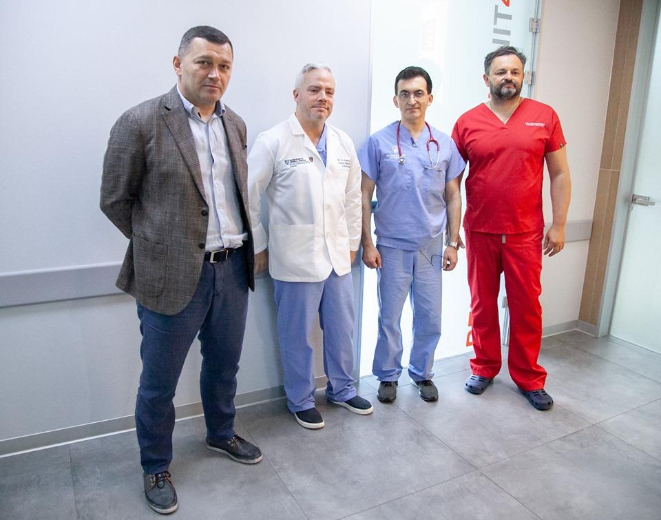 У Києві американські хірурги безкоштовно прооперували дітей із «заячою губою»