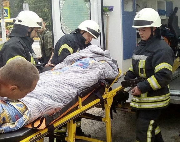 В Ірпені врятували бабусю, яка впала у 6-метровий колодязь -  - 61617189 411820346074785 8886169069204537344 n 1