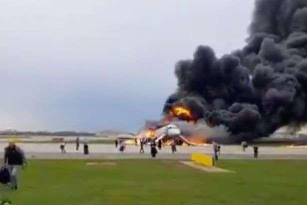 64_main Пасажирський літак спалахнув під час посадки
