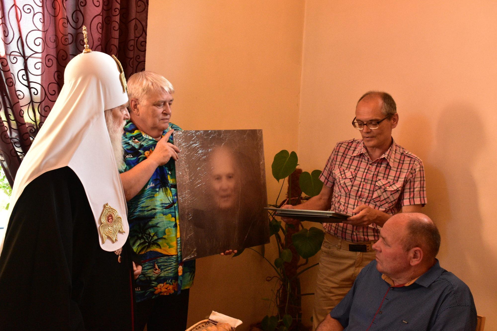 У Броварах легендарному Борису Патону подарували унікальний арт-витвір -  - DSC 1633 2000x1333