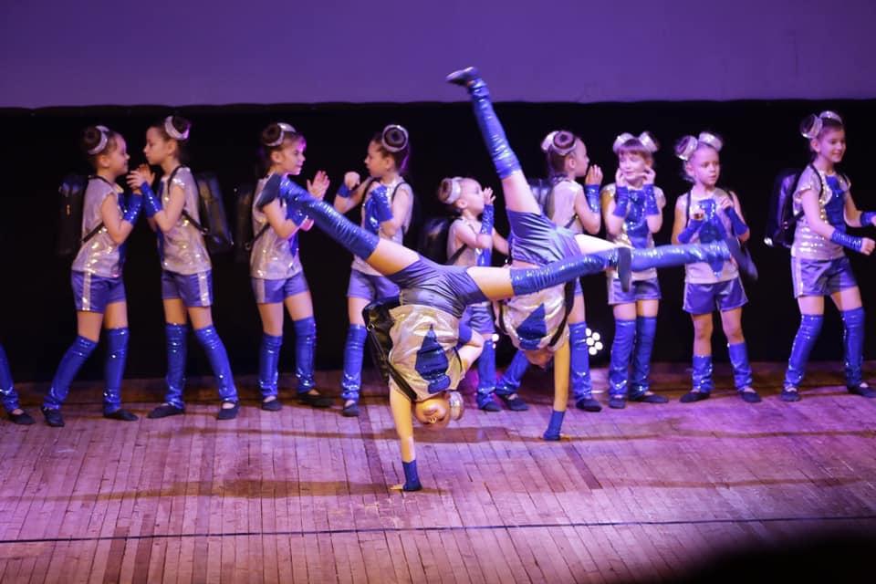 """Гран-прі — для """"DreamLand"""": бучанські діти чудово виступили на міжнародному фестивалі-конкурсі """"Соняшник"""" - Приірпіння, Міжнародний фестиваль-конкурс, Мистецтво, київщина, Гран-прі, Буча - DreamLand 2"""