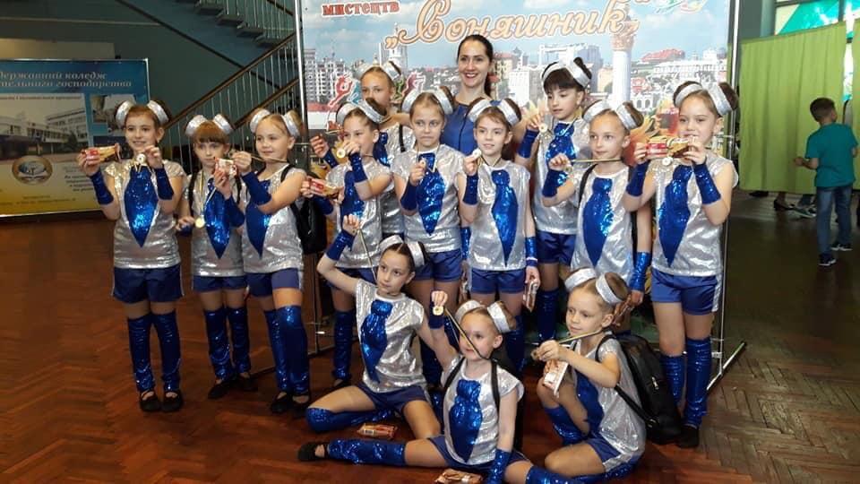 """Гран-прі — для """"DreamLand"""": бучанські діти чудово виступили на міжнародному фестивалі-конкурсі """"Соняшник"""" - Приірпіння, Міжнародний фестиваль-конкурс, Мистецтво, київщина, Гран-прі, Буча - DreamLand"""