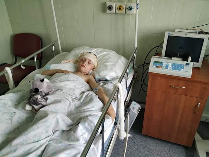 """ЖК """"Чайка"""" - небезпечний для дітей: третій випадок на трагічному дитмайданчику - травмування, с. Чайки, недобросовісний забудовник, дитячий майданчик - FB IMG 1557925503343"""