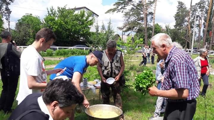 В Ірпені відкрили сквер Героїв Небесної сотні ім. В.Марцішевського -  - FB IMG 1558796825914