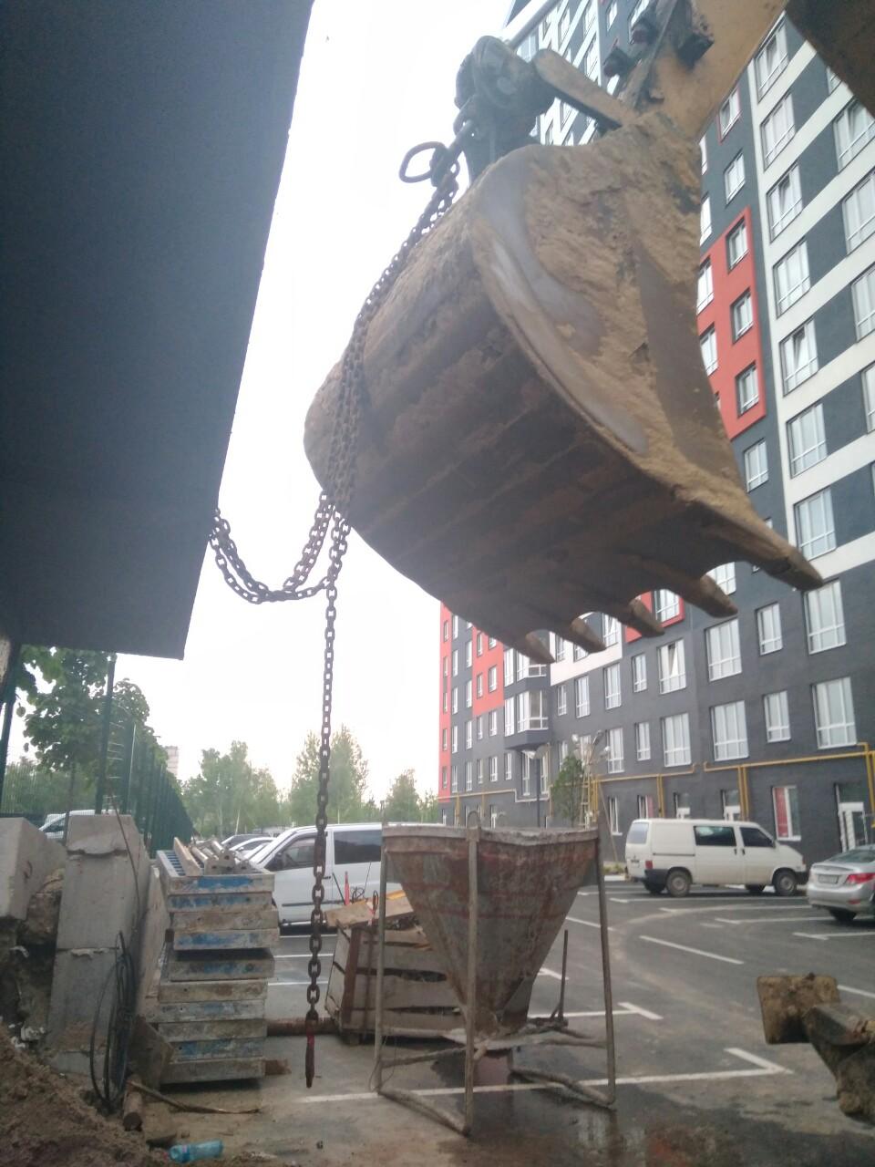 В Ірпені знову хотіли вкрасти пересувну приймальню нардепів, щоб облаштувати проїзд до ЖК -  - IMG 2adae7cd0fd7ff921d58f18d4430b16a V