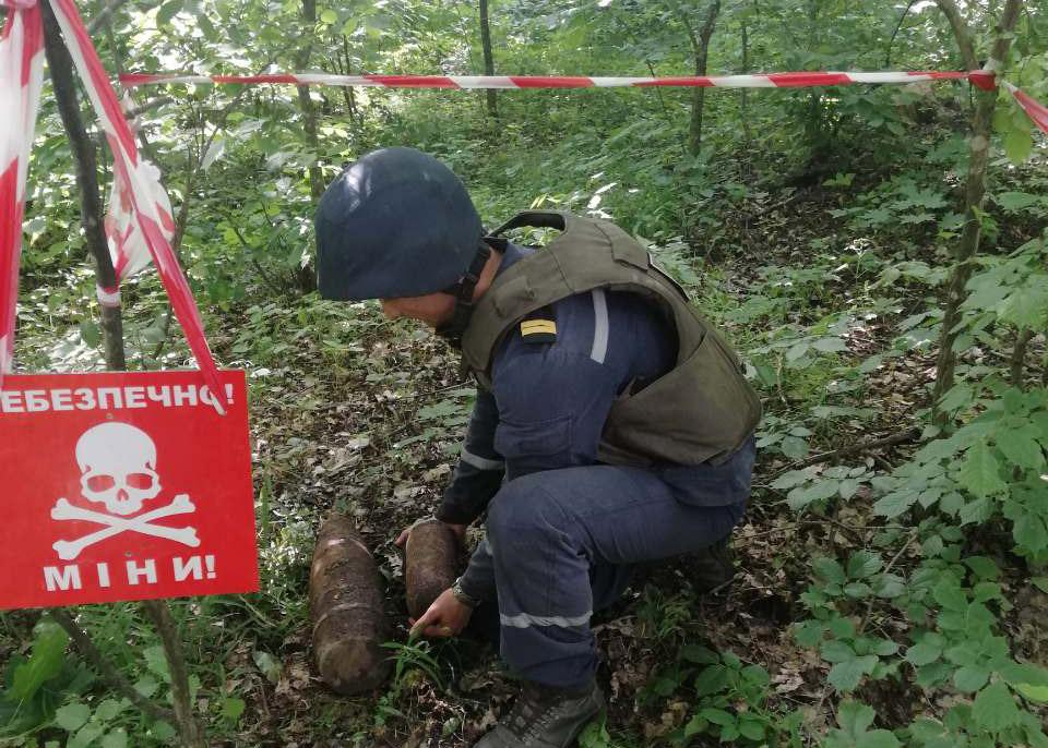 Білоцерківські піротехніки знешкодили вибухонебезпечні предмети - піротехніки, ДСНС, вибухонебезпечні предмети - IMG b37b1cfb592652b7cd7e672bc87bbe0b V
