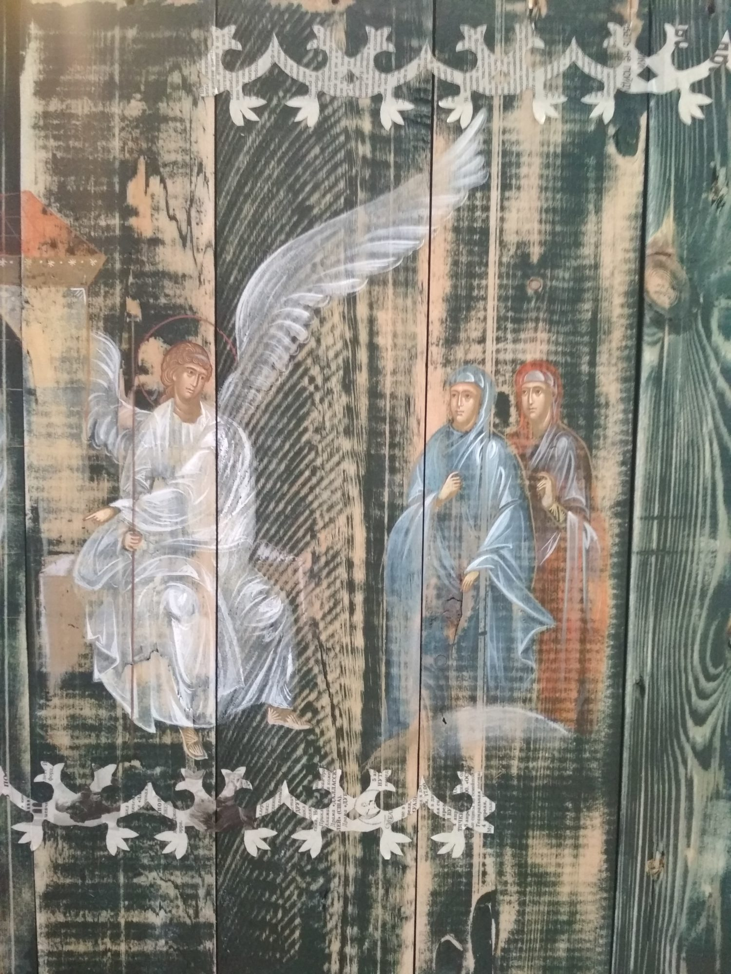 IMG_20190512_1209381-1500x2000 У Фастівському костелі відкрилась виставка ікон, намальованих на ящиках з-під набоїв