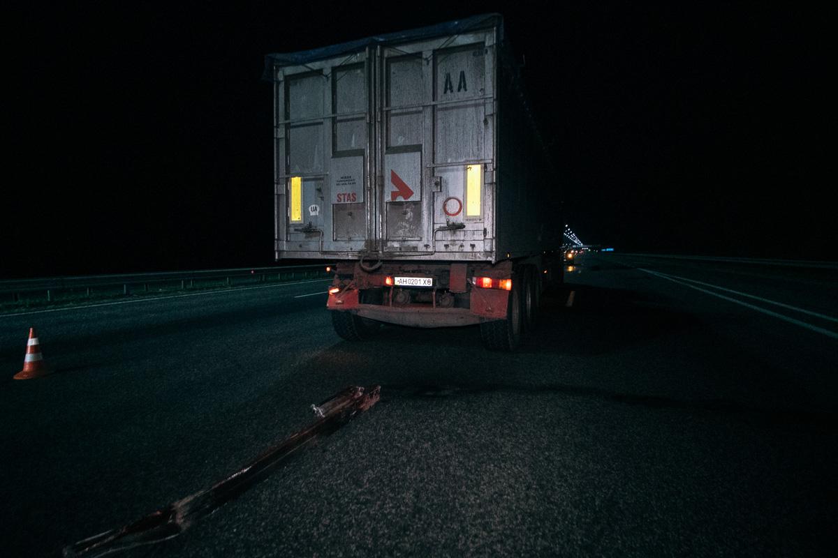 """На Бориспільській трасі мікроавтобус """"наздогнав"""" вантажівку -  - MG 0005"""