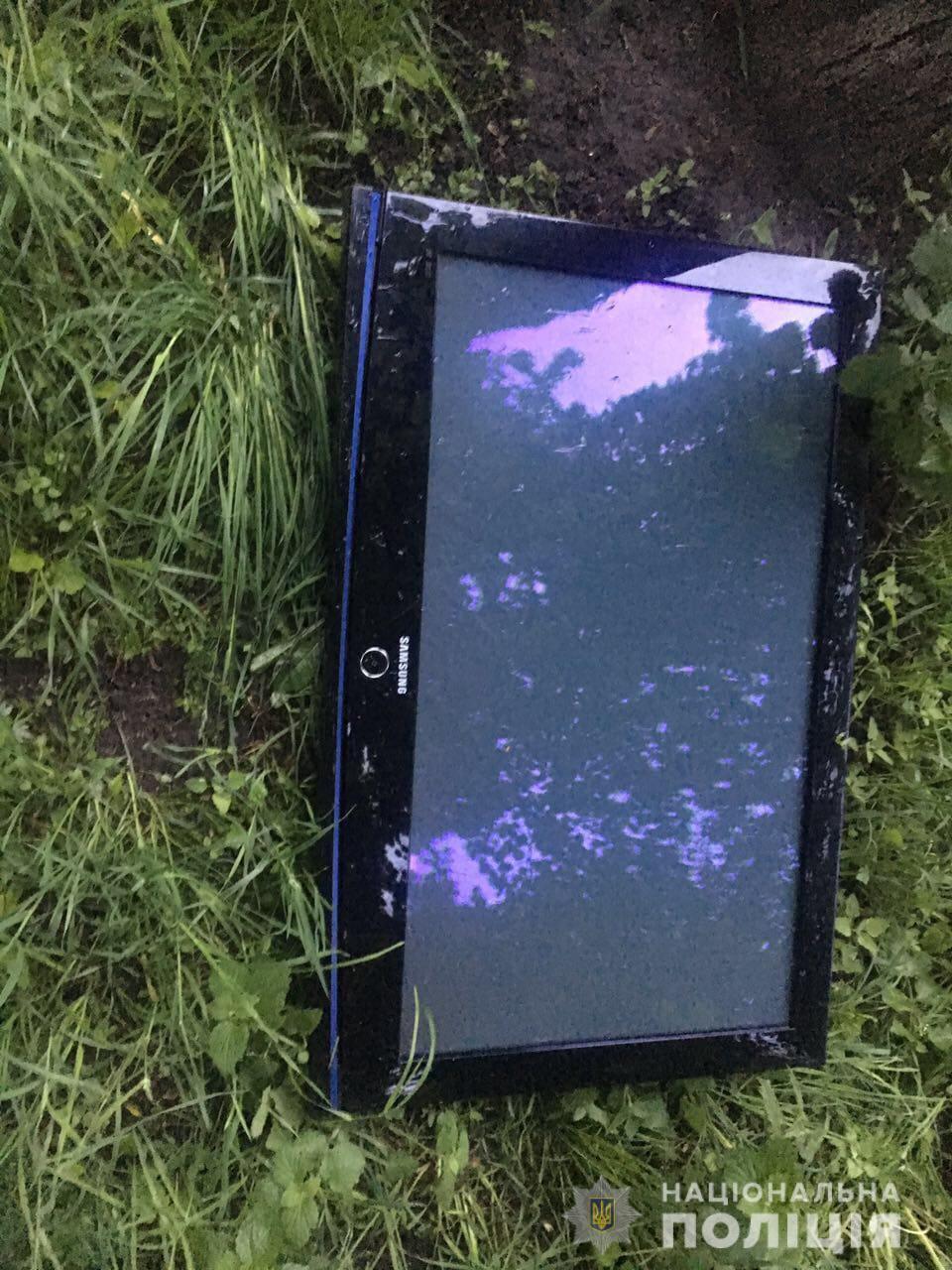 Фастівчанин вкрав плазмовий телевізор у кафе: втекти від поліції не вдалось - поліція Фастова - WhatsApp Image 2019 05 16 at 10.49.07 AM