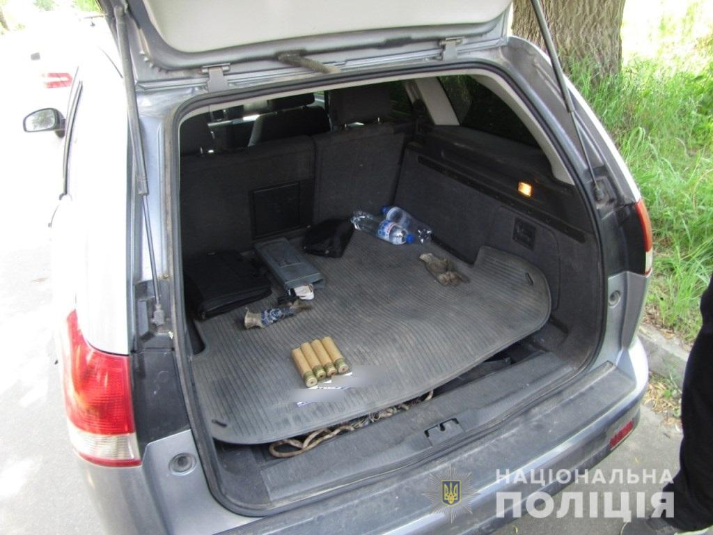 Боєприпаси до гранатомету знайшли у Бучі в багажнику жителя Ворзеля -  - bucha granaty1
