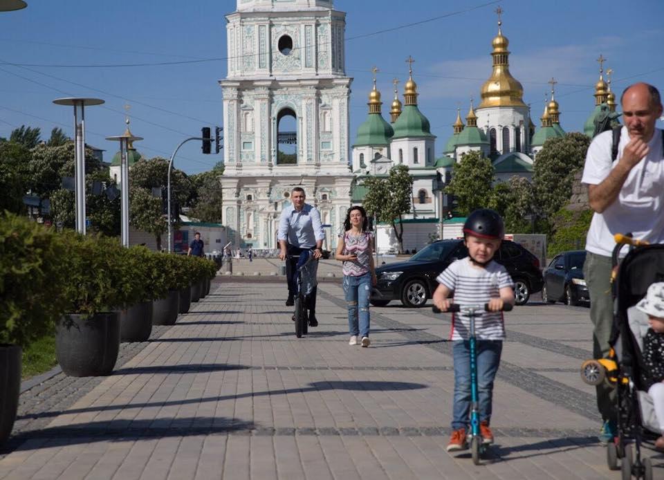 На інавгурацію на велосипеді : Віталій Кличко приємно здивував киян -  - image originals