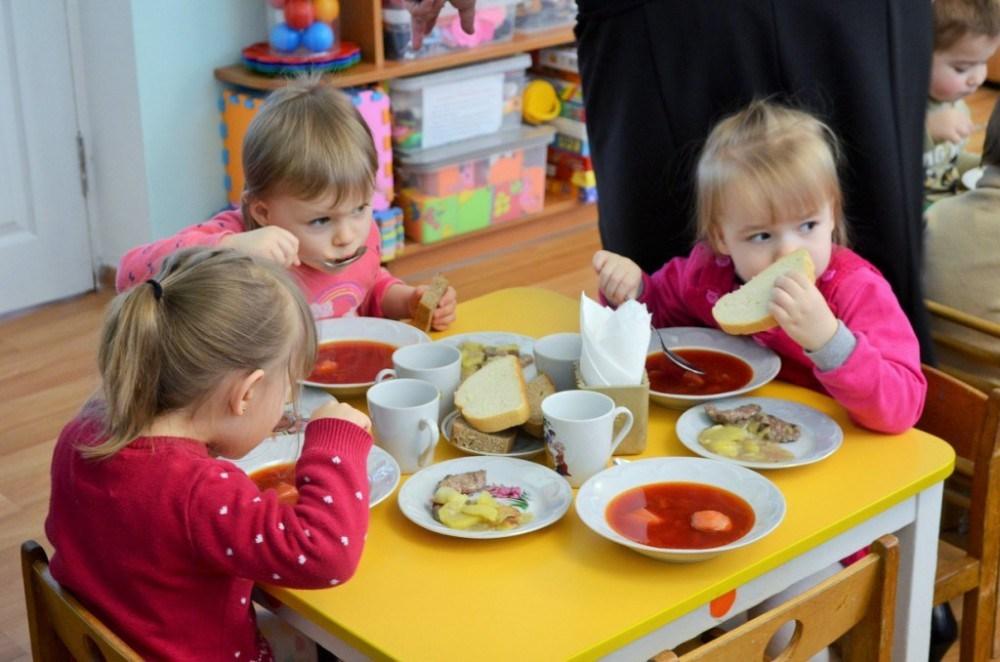 Стало відомо, скільки коштуватиме харчування у дитсадках Боярки - соціальна сфера, дитяче харчування, дитсадок, Виконавчий комітет, Боярська міська рада, Боярка - img1513859385 13 1