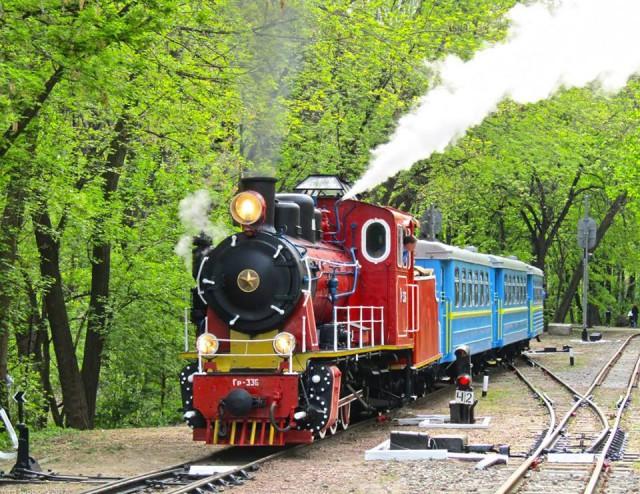 За кілька днів у столиці відкриється  новий сезон руху поїздів дитячої залізниці -  - mkf60 640x494