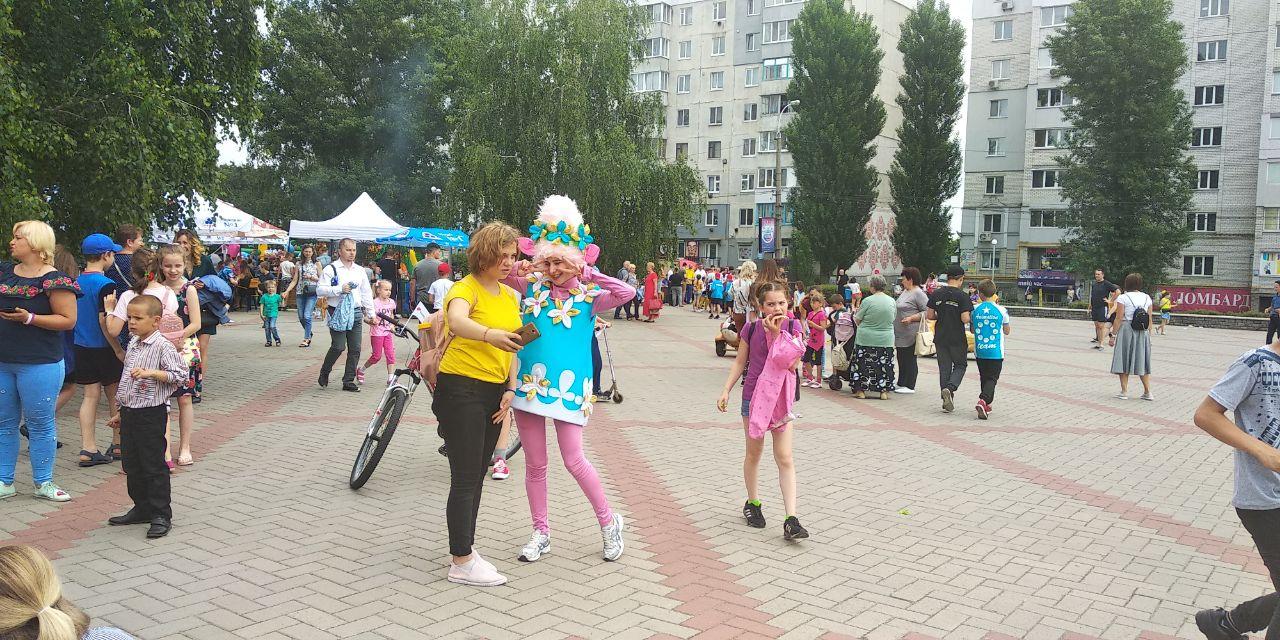 Рекорд України, змагання, морозиво та атракціони: сьогодні в Бородянці святкували День захисту дітей - рекорд України, День захисту дітей - photo5442696185602222807