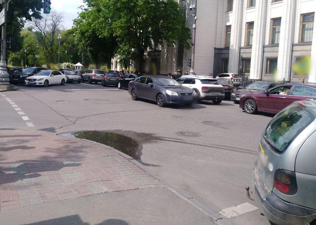 У Києві водій наїхав на патрульного поліцейського, який регулював рух -  - photo 2019 05 16 15 23 46