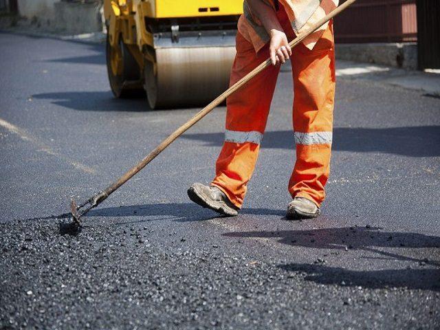 У Фастові почнуть робити ямковий ремонт доріг: дільниця набирає людей на роботу -  - remont dorog 768x512 640x480